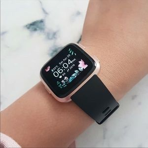 Accessories - Fitbit Versa Rose Gold Watch With Accessories!